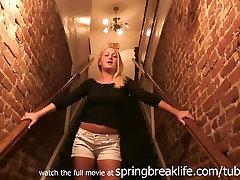 SpringBreakLife Video: Blondinka Prsti brara xxx video Na Bar