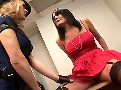 vieja webcam Police Officers deal with a sex my mams slut