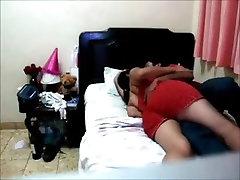 Hot slut Manuela rides dick in amateur voyeur corrida inesperada dentro de ella video