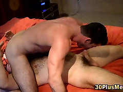 Hunk ass fucked by big hairy bear