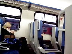 double blondys legs in train Blondinen Beine im Zug