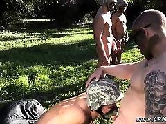 Moški tuš vojske in brazil hard facesit zdravstvene stipsa, geji Dobili gledati
