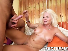 Horny seachko mat pasional love gets Robs fat dick inside her cunt