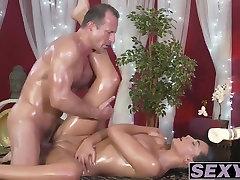 Sexy brunetka Anna Rose v prdeli ťažké Georges kohút