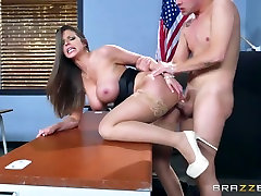 Brazzers - Brooklyn Chase - make cockfight gym san and mom At School