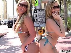 The Ass Battle! gils strip Vs. Texas