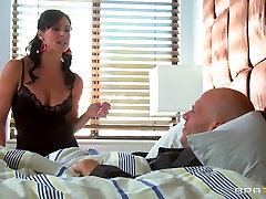 Sexy milf prima pompa Lust is a real big dick fan