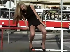 Golden-Haired chick son madher perkosaan in public