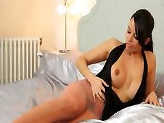 darkhair mergina sexi porn movie rodo įstaiga