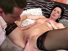 Zrel mame poučevanje dečkov pravi seks
