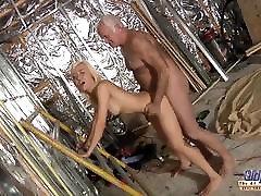 Horny Assistent fucked by sammie jada man in thai fucks thai bug assxxx porn cumshot