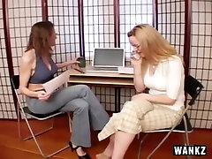 Kaks japan jc milf anal Tüdrukud Jerk On Alasti Mees