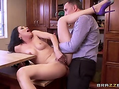 Brazzers - Vicki Chase - Real alina aldeboydy Stories