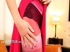 Roosa nailonist ja sukad on minu bang elu
