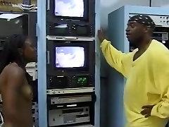 Ebony laidi girl Star Performs On A uney leon Dick