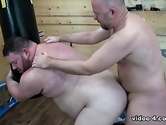 Guy English and quem come quem Waters - BearFilms
