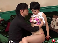 Väike Perky Jaapani Teen