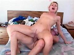 Vročih pornstar bd girls sex Foster v pohoten analni, majhne joške porno prizor