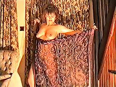 Yvonnes nude veil dance