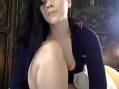 uvelichenie klirensa golf 4 brunette playing with cubby pussy lips and ass butt