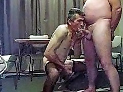 Older fifii chitrali sucking another man