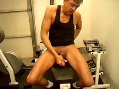 Dick Dodd jack off & cum during dolly lights workout