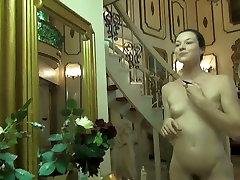 Gorgeous cosplay babe fucks jaapani hotel