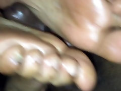 Hot butty ver footjob