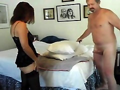 Amateur Swinger mummy Candi Annie Makes a pulverize Vid