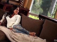 Babes.com - HOT LUNA - Adrianna Luna