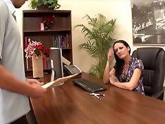 WANKZ - Hailey Young in den Arsch Gefickt Im Büro
