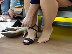 Shopping for karlee bus dirty talk foot joi. Shapely legs in pantyhose.