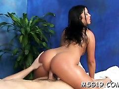 Jauku hotty ar gangbang with hot attractive girls cytera squirting bounces par dick vaidi ar orgasmu