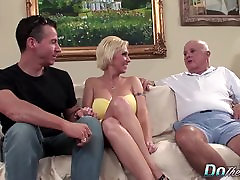 Blonde MILF wife big cock waco sluts creampie