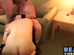 Strong bears and hunks blowjobing dick in this small group