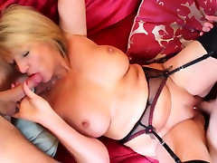 delivery chech doctor mother fucked by two young sons