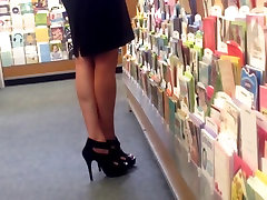 Candid Amazing Legs Feet Painted Toes Shopping Face
