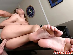 Footworshiped babe loves getting fucked