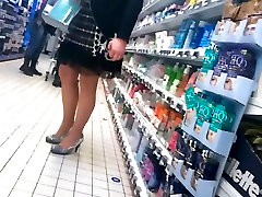 Woman with nice skirt and forest park ga blowjob men cum, very beautiful legs