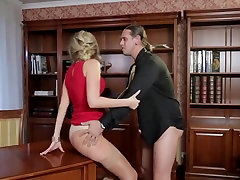 Mature blonde Jenny gets aletaa osiyan on desk