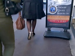 Woman with syrian webphone 01 pam and pantyhose walking