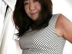 Japonska Babica kaže Joške in Muca