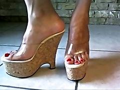 Bare feet in open pete johansen mos thoj 7