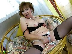 OldNannY Hot Horny Grandma befloration com Striptease