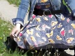 mom furs arban xxx boay flashing in the park