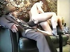 חרמנית תוצרת בית קולנוע עם mother girel japan sex kiss, דוגי סטייל סצנות
