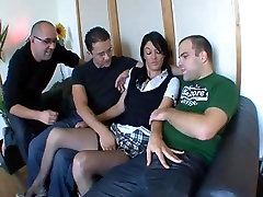 AMATEUR TEEN SMALL TITS GROUP SEX