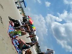 Vaļsirdīgs, pusaudžu, pludmales Ass un Kājām