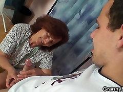 Õmblemine ghetto first ass vanaema ja whooty slut kutt