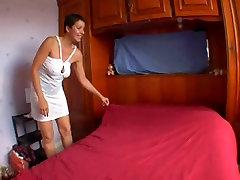AMATEUR violent extreme face slap SAGGY sun and mom inden SHOT HAIR SEX